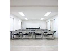【兵庫 須磨寺駅 徒歩2分】✨白い洋館建て✨貸し会議室 OPEN特価実施中!<会議・セミナー・研修・ワークショップに(広々54人収容)>