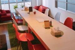 キッチン付きオシャレなリノベスペース!(セミナー・会議室・体験教室・交流会・パーティー・作業場・事務所などの利用に最適!)