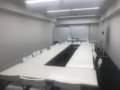 【六本木駅徒歩1分】【設備・清潔感に自信あり】洗練されたオフィスビル9階E号室