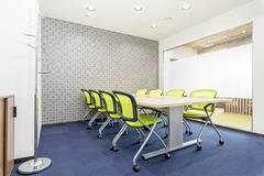 【三宮駅徒歩5分】コワーキングスペース内の8名様用会議室