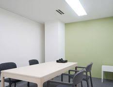 【明治神宮前徒歩1分】Wi-Fi、ホワイトボード、プロジェクター無料!ミーティング等に使えるオシャレな会議室