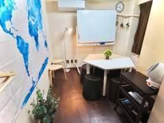 『ディス@一宮』【P有/一宮駅徒歩2分!】●隠れ家的会議室●シンプルでオシャレなデザイン●8名収容