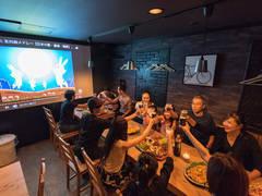 【オムニバ金山尾頭橋】100インチプロジェクター!営業許可も取得できるおしゃれなカフェを丸々貸切レンタルできます。
