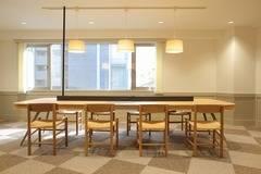 1~4F、1棟まるごとコワーキングスペースと貸会議室です。代々木公園駅・代々木八幡駅から徒歩4分の好立地!