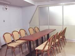 【千石駅徒歩2分】格安・10名収容会議室![キャピタル2階小会議室]の写真