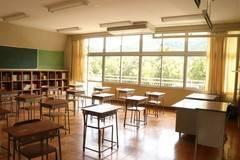 【教室A】学生時代にタイムスリップしたかのうような廃校の教室で撮影ができます ☆個人のお客様☆