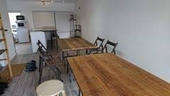 【世田谷】白を基調としたカフェ風キッチンスタジオ。料理撮影、会議、ミーティングの利用などに!
