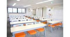 【飯田橋・神楽坂 /平日¥8100/h(3~5時間利用)】8/14現在、8月は8/15,16,19,21,26,29がまだ空いています! ビジネス研修や会議に最適、明るく気持ちのいい空間で学習効果も抜群です! 各種セミナー、ヨガやワークショップなど、多様なシーンにご利用いただけます。 各路線のアクセスも最高です!