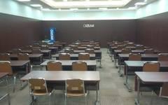 上野御徒町駅から徒歩4分 大会議室(42席)★4席の会議室から42席の大会議室まで全6室
