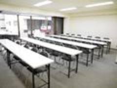 【赤坂・溜池山王】大きな窓が開放的♪集中できるゆったり設計!完全個室貸し会議室