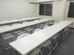 【池袋】研修・ワークショップにおすすめ!清潔感のある18名会議室