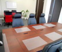 【吉祥寺】駅から4分!広々ゆったりで集中できる♪6名部屋+4名部屋を繋げた貸し会議室です