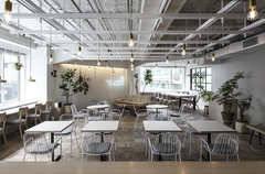 六本木駅7番出口徒歩30秒。東京ミッドタウン隣接のデザインオフィスラウンジスペース