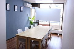 【OPEN記念価格】横浜駅徒歩 5分/クリエイト会議室/Wi-Fi・電源・プロジェクター完備