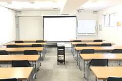 第二会議室【高崎駅徒歩7分】最大30席 プロジェクター|Wi-Fi|有線LAN|ホワイトボード|消毒液|非接触式検温計|無料【窓有り】
