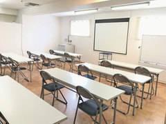第三会議室【高崎駅徒歩7分】少人数~24席 プロジェクター|Wi-Fi|ホワイトボード|無料 セミナー・講習会・面接に最適