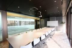 【銀座】駅直結!飲食可能◎高級感あふれる開放的な貸し会議室(18名)