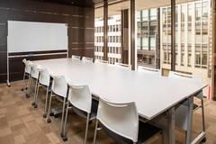 【銀座】駅直結!飲食可能◎開放的で高級感のあふれる12名貸し会議室