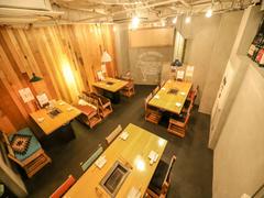 【代々木駅西口】6名用オープン ミーティングスペース ミートバル 肉たらし