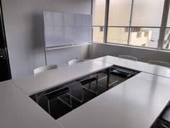 広瀬通【仙台協立第2ビル3階第6会議室】8名様用 白を基調としたシンプルな会議室