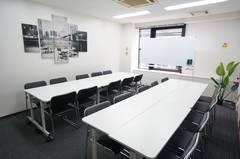 <タウン会議室>⭐24名収容⭐栄駅より徒歩5分♪WiFi/ホワイトボード/プロジェクタ無料