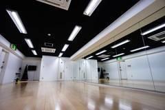 名古屋池下レンタルスタジオ【鏡張り】 76㎡ キッズススペースあり 天井エアコン2台!駅近徒歩1分 ダンスレッスン・展示会・撮影など多用途