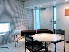 閑静な都心部/デザイナーズ隠れ家サロン/完全個室/ベビーカー入室可: 1歳未満の赤ちゃんまで