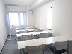 【JR名古屋駅 新幹線口より徒歩5分!】「明るく」「綺麗」「安い」完全個室の会議室です。最大8名収容可能です。