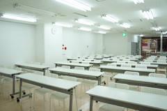 【フォレスト】駅近3分!神戸三宮センター街入口!会議、セミナー、教室・物販・ヨガ・イベントにも☆スクリーン、プロジェクターホワイトボード他備品は無料貸出し