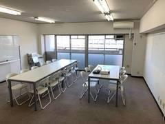 品川駅徒歩3分45平米明るい会議室