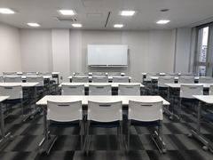 ワンコイン会議室新橋 新橋駅直結 605号室内 ダ・ヴィンチ大会議室