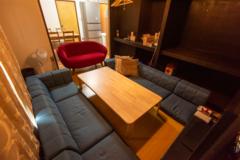 【オムニバ尾頭橋4F】330円/時間〜ゆったりアットホームなパーティーできるバリ風のレンタルルーム