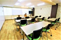 【上野駅徒歩7分】ナチュラルな雰囲気のレンタルセミナールーム(標準12名~最大24名)