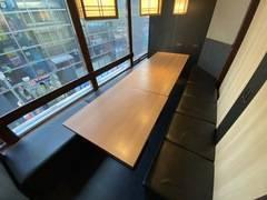 【〜6名個室②  JR新宿西口徒歩3分】WEB会議や少人数の打ち合わせに最適 Wi-Fi、電源、ホワイトボード、飲食持ち込み可