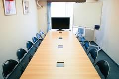 【池袋駅徒歩4分】35平米!平均的な貸し会議室より2倍以上広くて安心!12名収容