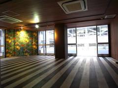 【 心斎橋駅 徒歩1分 】大人数会議可能、100インチプロジェクター貸出有り