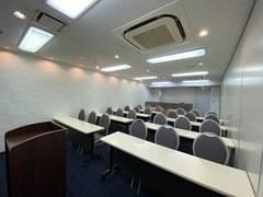 【コンファレンス東京】新宿Conference C (新宿駅南口から徒歩3分!受付カウンター利用可)