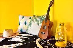 【海まで2分。静かなアパート2階】テレワークや勉強部屋におすすめ!★Pine Tree