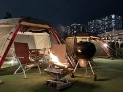 都心で手ぶらの焚き火ができるキャンプ場!換気抜群の特別テント席で会議・遊び・忘新年会にぴったり!