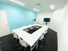 《仙台駅徒歩3分》低価格で完全個室のセミナールーム!Wi-Fi・フリードリンク・フリースイーツ完備!カフェのようなラウンジ有☆《セミナールーム》