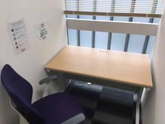 【リモートワーク最適一人個室】ワンコイン会議室新橋605号室内 会議室A-01