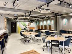 下北沢駅徒歩3分!エリア最大の広さをもつスペース。セミナーや会議、オフィス撮影、イベント会場などに!
