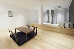 浅草駅徒歩6分の好立地!最大6人収容可能の客室個室スペース