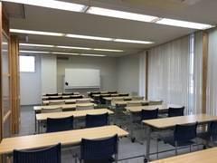 JR高崎線熊谷駅北口徒歩1分にある貸会議室、KUMAGAYA BASE 貸鍵室(会議室B+C)