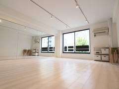 【関内駅 2分】撮影・ダンス・ヨガ・壁一面が鏡貼り!リフォーム済みでキレイです!関内ダンススタジオ