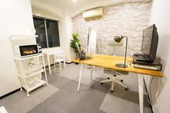 <南森町ミニマルオフィス>完全個室✨モニター/Wi-Fiあり!テレワーク/Web会議,面接/動画配信/撮影