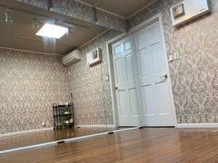 レンタルスタジオ スタジオザルツ千歳烏山駅西口から徒歩2分。ダンスの練習に最適なお洒落なスペースです!