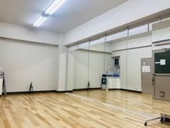 池袋駅 28㎡ ダンス/演劇【特大鏡: 幅 約6m x 高さ2m】防音スタジオ、WIFI有り