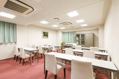 アパホテル富士中央3階【富士の間】広さ33㎡ コンパクトな会議室。