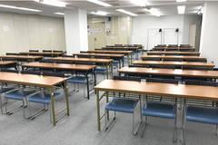 【神保町駅】駅チカで講演会、セミナー、パーティーなど様々な用途に(8階中会議室 54人)
